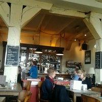 Foto tirada no(a) Café Kobalt por Diego V. em 4/18/2012