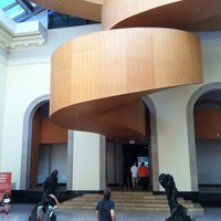 Foto tirada no(a) Art Gallery of Ontario por Christian D. em 8/23/2012