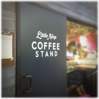 Photo prise au Little Nap COFFEE STAND par doppio ♡. le8/21/2012