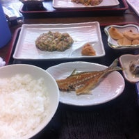 Photo taken at いわし料理 浜さ来 by masaki i. on 5/5/2012