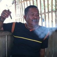 Photo taken at Lesehan Sorwit by wahju adi w. on 4/19/2012