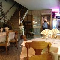 รูปภาพถ่ายที่ Pizzeria Capri โดย Paolo N. เมื่อ 3/21/2012