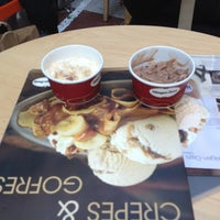 Photo taken at Häagen-Dazs by Moisés S. on 4/21/2012