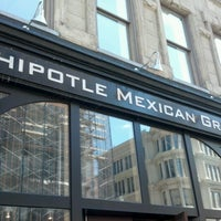 Photo taken at Chipotle Mexican Grill by Frederic D. on 8/29/2012