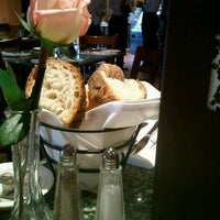 Photo taken at Manetta's Ristorante by Linda P. on 6/8/2012