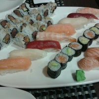 Photo taken at Restaurante Japonés Zakuro by Victor P. on 5/6/2012