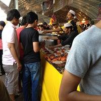 Photo taken at Bazar Ramadhan Taman Kerang (Pokok Buluh) by Riena on 7/28/2012