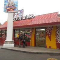 Photo taken at McDonald's by Danilo U. on 6/15/2012
