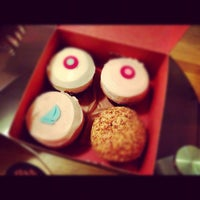 Photo taken at Sprinkles Cupcakes by @JuliusOCloset o. on 4/1/2012