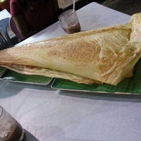 Photo taken at Restoran Original Penang Kayu Nasi Kandar by Meng H. on 7/28/2012