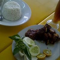 Photo taken at Tosoto - Selera Nusantara by Shareena A. on 7/10/2012