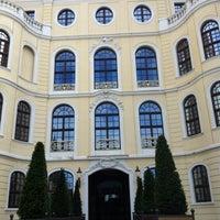 Снимок сделан в Hotel Taschenbergpalais Kempinski пользователем Beng H. 6/25/2012