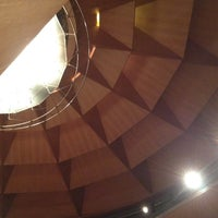 Foto tomada en Teatro de la Maestranza por Tino G. el 4/20/2012
