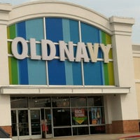 Photo taken at Old Navy by Kristian D. on 8/17/2012