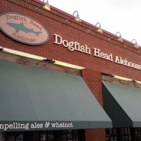 Photo taken at Dogfish Head Alehouse by Jeremy Y. on 5/12/2012