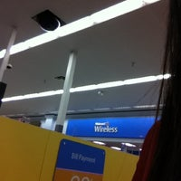 Photo taken at Walmart Supercenter by Bảo A. on 4/28/2012