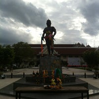 Photo taken at Phraya Pichai Dab Hak Monument by (◡Tumty◡💉) I. on 7/21/2012