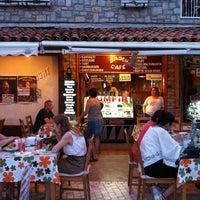 6/25/2012 tarihinde Eren S.ziyaretçi tarafından Badem Cafe'de çekilen fotoğraf
