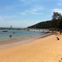 Foto tirada no(a) Praia da Tartaruga por Marcos T. em 2/12/2012