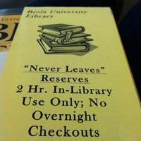 Снимок сделан в BIOLA Library пользователем Dannica A. 2/8/2012