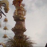 Photo taken at Pura Desa Pengrebongan Kesiman by Yan G. on 2/19/2012