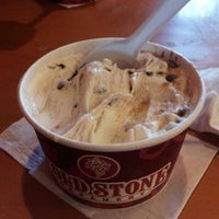 Photo taken at Cold Stone Creamery by Albert A. on 8/26/2012