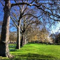 Foto scattata a St James's Park da Supree T. il 4/29/2012