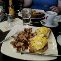 Photo taken at Kanela Breakfast Club by Paul d. on 5/20/2012