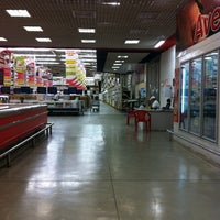 Photo taken at Makro by Felipe E. on 4/13/2012