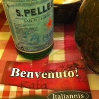 Photo taken at Italianni's Pasta, Pizza & Vino by Rafael B. on 3/18/2012
