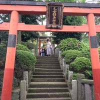 Photo taken at 乙女稲荷神社 by Mugicha G. on 5/1/2012