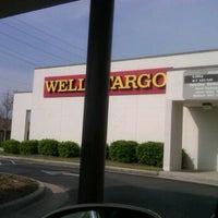 3/29/2012 tarihinde Craig L.ziyaretçi tarafından Wells Fargo'de çekilen fotoğraf