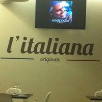 5/13/2012 tarihinde Helen V.ziyaretçi tarafından Pizzería L'italiana'de çekilen fotoğraf