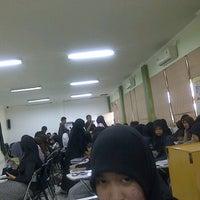 Photo taken at Ruang Kuliah 403 Fakultas Kedokteran UMI by RiaKhaerany on 3/7/2012