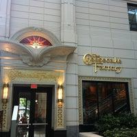 Das Foto wurde bei The Cheesecake Factory von Melike A. am 7/19/2012 aufgenommen