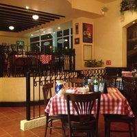 Foto tomada en Italianni's Pasta por Marco P. el 6/18/2012