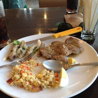 Photo taken at Memorize Buffet by Kaw'Z on 6/7/2012