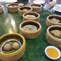 Photo taken at Tong Peng Chinese Restaurant by Ram C. on 8/3/2012
