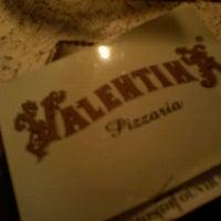 Foto tirada no(a) Pizzaria Valentina por Bia D. em 2/25/2012