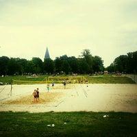 Foto tomada en Volkspark Friedrichshain por Bjoern W. S. el 6/24/2012