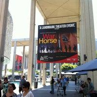 Foto scattata a Ahmanson Theatre da Mark F. il 7/26/2012