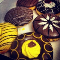 Photo taken at Mad Over Donuts by Mohit H. on 6/7/2012