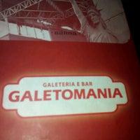 Photo taken at Galeto Mania by Isadora N. on 7/21/2012