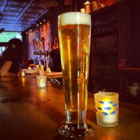 Foto tomada en Upstate Craft Beer and Oyster Bar  por Anna G. el 4/22/2012