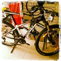 Photo taken at Bicimania Bike Shop by Ricardo C. on 10/19/2013