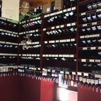 Das Foto wurde bei Wine House von Vladimir K. am 10/19/2014 aufgenommen