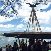 Foto scattata a kainan sa bamboo mines view park baguio city da Wynchelle May E. il 5/17/2015