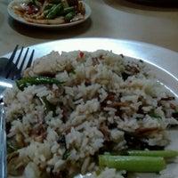 Photo taken at Restoran Ruski Seafood by azlan r. on 12/9/2012