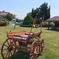 Photo taken at Bloom Alacati Hotel by Çetin T. on 8/17/2017