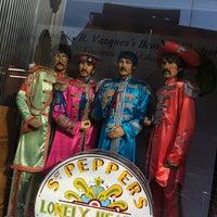 Foto tomada en Museo Beatle por Carolina L. el 6/26/2013